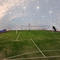 Wymiana nawierzchni piłkarskiej oraz budowa hali pneumatycznej w Warszawie ul. Zuga 16